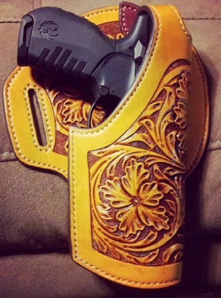 HANDMADE HAND TOOLED CUSTOM HOLSTER