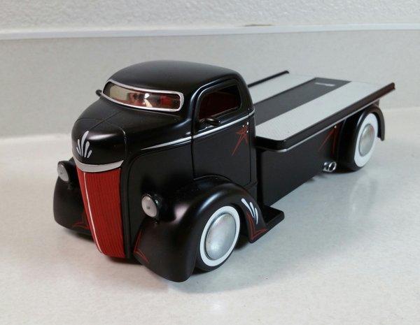 Customized 1947 Ford C.O.E. diecast
