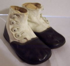 OLD BUTTON UP BABY SHOES BLACK AND WHITE