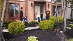 BULK MULCH SPREADING TEAM