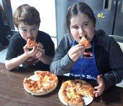 KIDS PIZZA  &  A MOVIE