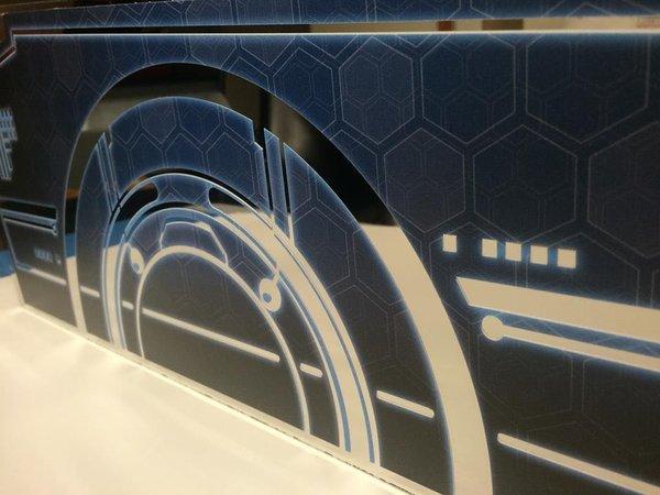 Tron Pinblades on chrome mirror blades