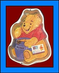 Winne the Pooh with Honey Pot Cake Pan Retired/Vintage