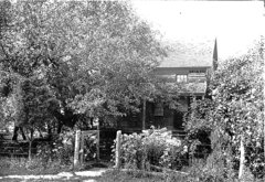1880's AMERICAN SUMMER HOUSE