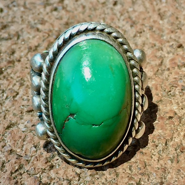 SOLD 1930s MUSEUM WORTHY GREEN TURQUOISE SILVER RING WITH QUADRUPLE WROUGHT BAND