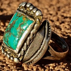 1910s SHATTERED & PINON SAP SEALED TURQUOISE INGOT SILVER RING