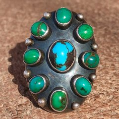 1920s SOLD ARROW STAMPED CERILLOS TURQUOISE 9 GREEN & BLUE STONE SILVER RING