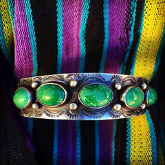 1930s FRED HARVEY STAMPED WHIRLING LOGS SWASTIKA 5 GREEN STONES SILVER CUFF BRACELET