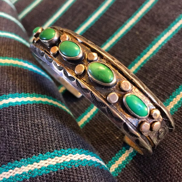 1920s MUSEUM WORTHY 5 STONE GREEN TURQUOISE CARINATED INGOT STAMPED SILVER CUFF BRACELET