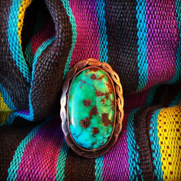 1960s HUGE BLUE GREEN PILOT MOUNTAIN TURQUOISE WROUGHT SILVER RING