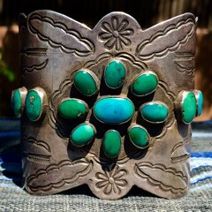 1920s FINELY STAMPED ARROW & SAGE BRUSH SILVER EXTRA WIDE KETOH STYLE BLUE GREEN TURQUOISE MENS CUFF BRACELET