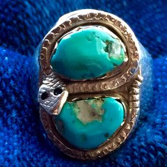 1940s BLUE KINGMAN TURQUOISE with QUARTZ CRYSTAL SNAKE SILVER DAN SIMPLICIO RING