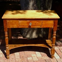 1840s NEW MEXICAN PINE BEDSIDE TABLE WITH LONG DRAWER