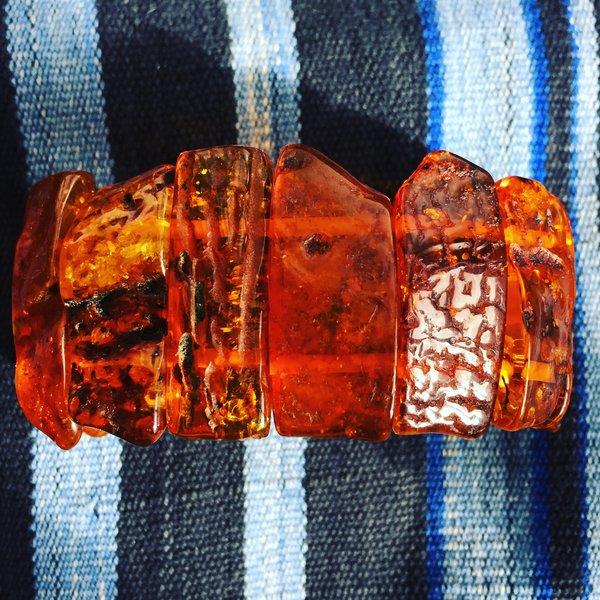 VINTAGE GIANT BALTIC AMBER SLICE SLAB ELASTIC BRACELET