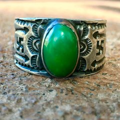 1920s INGOT SILVER WHIRLING LOGS ARROWS CERILLOS TURQUOISE RING