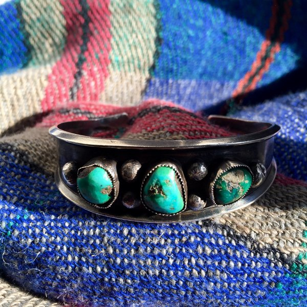 1960s SILVER 2 BLUE 1 GREEN TURQUOISE 3 STONE CUFF BRACELET
