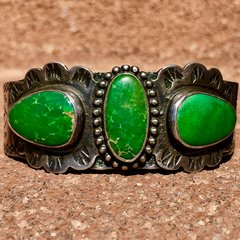 1920s 3 BIG CERILLOS TURQUOISE STONES BUSY STAMPED SILVER CUFF