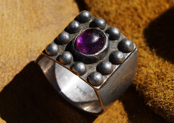 SOLD 1960's AMETHYST & SILVER RING