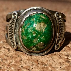 1920s SIDE SHIELD SILVER GREEN TURQUOISE WITH QUARTZ RING