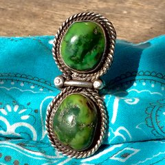 1970s GIANT FINGER LONG GREEN TURQUOISE SILVER 2 STONE SILVER RING