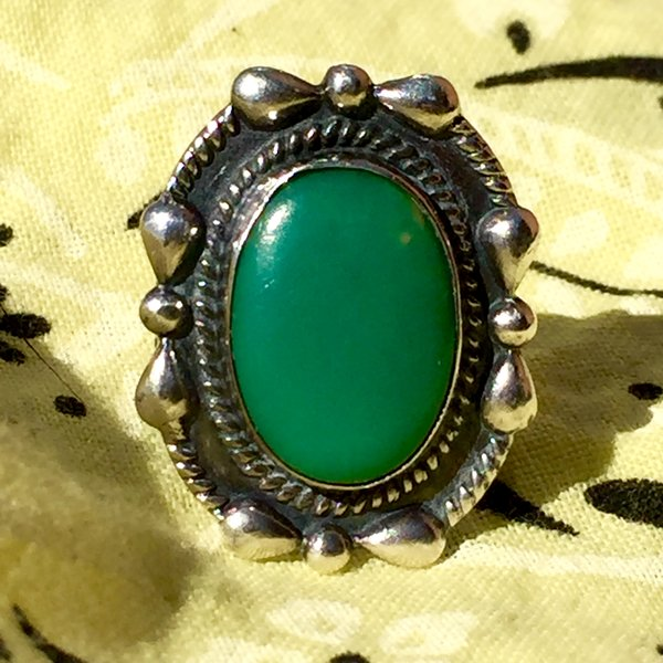 1940s STAMPED GREEN TURQUOISE FRED HARVEY REPOUSE SILVER RING
