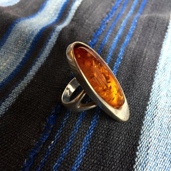 1970s GERMAN MOD BALTIC AMBER SILVER RING HEAVILY HALLMARKED