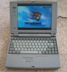 Toshiba Satellite Pro 400CS Color Laptop Notebook Computer Vintage P75 810MB