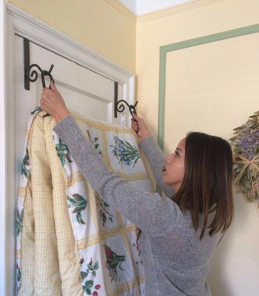 Bedding Quilt Blanket Over Door Storage Hanger Twin To