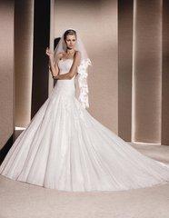 La Sposa by Pronovias Wedding Dress Rosal