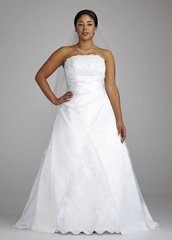 David's Bridal Wedding Dress 9E8396