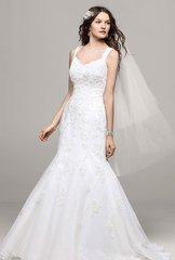 David's Bridal Wedding Dress V3643