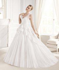 La Sposa by Pronovias Wedding Dress Estralita