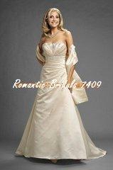 Romantic Bridals Wedding Dress 7409