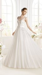 Avenue Diagonal by Pronovias Wedding Dress Parfait