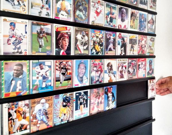 Proview Displays Trading Card Picture Photograph Wall