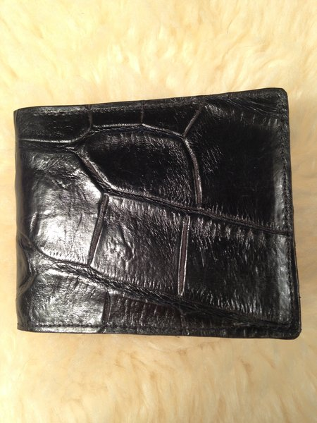 Men S Bifold Wallet Large Tile Black Alligator Wallets