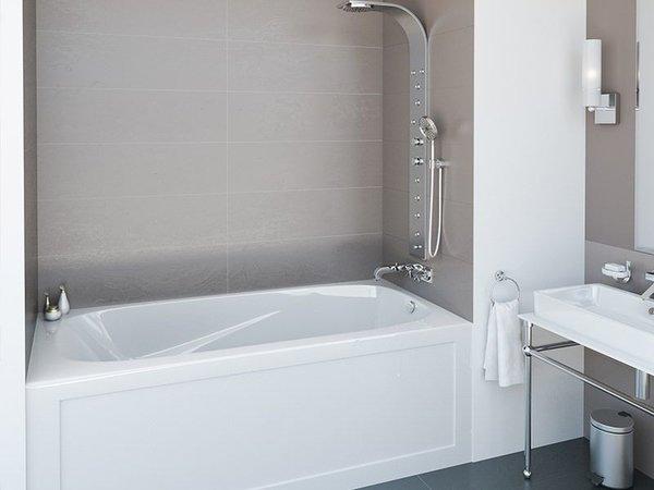 mirolin 60 skirted bath tub cornerstone bath more. Black Bedroom Furniture Sets. Home Design Ideas