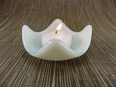 Cream glass small curved candle holder