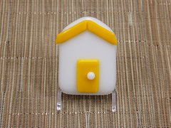 Beach hut glass fridge magnet - white with yellow trim