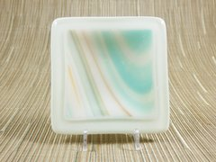 Cream/blue patterned small glass square centre plate
