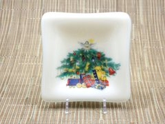 Christmas tree cream glass small square centred plate