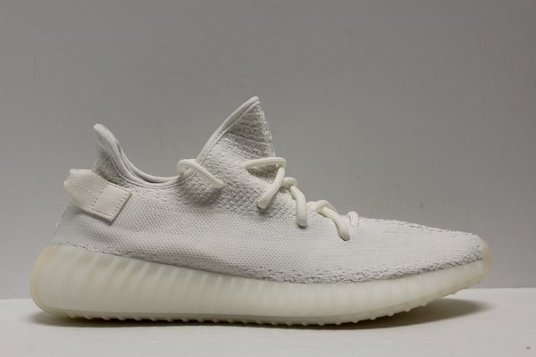 620430d1d39dc Yeezy Boost Yeezy boost 350 V2 cream white (USED) WITH BOX Size