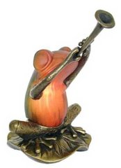 "6.5"" Frog with Trumpet Lamp"