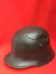 German soldiers M16 helmet very nice condition,battle damage,green paintwork very smooth finnish,restoration project recovered from The 1916 Somme battlefield