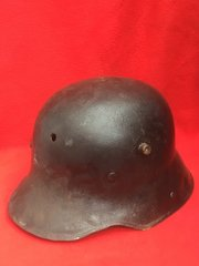 German soldiers M16 helmet very nice condition,black paintwork very smooth finnish,restoration project recovered from The 1916 Somme battlefield