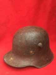 German soldiers M16 helmet very nice condition leather liner,chin strap, paintwork very smooth Finnish,restoration project recovered from The 1916 Somme battlefield