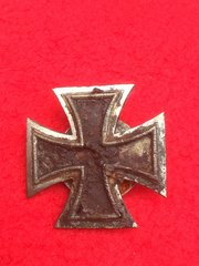 German iron cross first class medal,screw back pin,nicely cleaned recovered from Stalingrad battlefield of 1942-1943