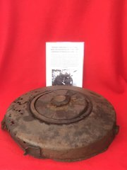 VERY RARE to find German complete top section with compressor plate rare condition Anti Tank Tellermine 42 recovered from Stalingrad 1942-1943 battlefield in Russia