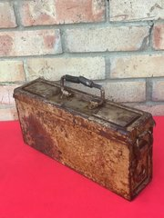 German mg 34/42 ammunition tin with original light brown Normandy camouflage paintwork dated 1943,very good condition found in Normandy