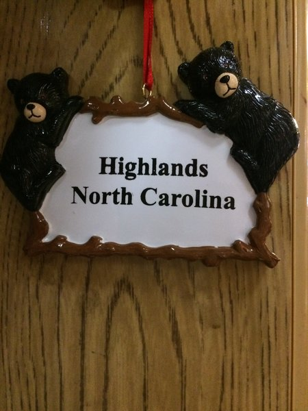 BLACK BEAR PLAQUE HIGHLANDS NC ORNAMENT